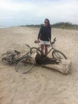 Le vélo, gentiment mis à dispo pour bronzer mollets musclés !